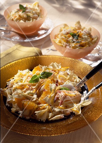 Pasta with crab and orange