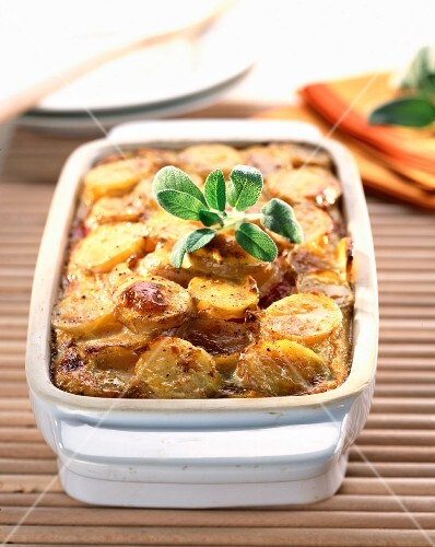 Potato and pepper gratin