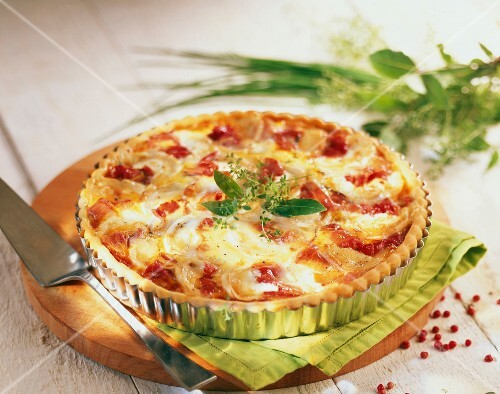 Goat's cheese and smoked ham savoury tart