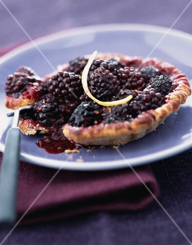 Blackberry and cinnamon tartlet
