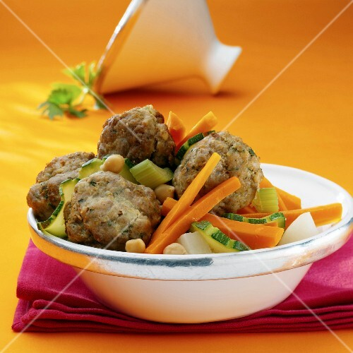 Couscous with meatballs