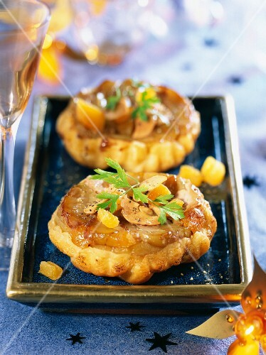Tarte tatin with apricots and foie gras