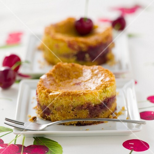 Gâteau basque (Basque cake) with black cherries