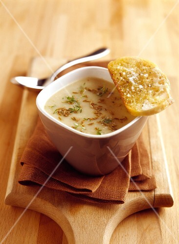Creamy Munster ,potatoes with beer and cumin soup