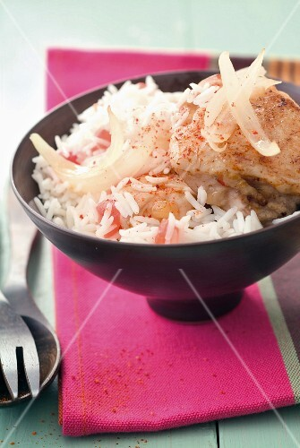 Chicken with onions and tomato rice