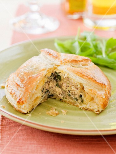 Meat and herb pie