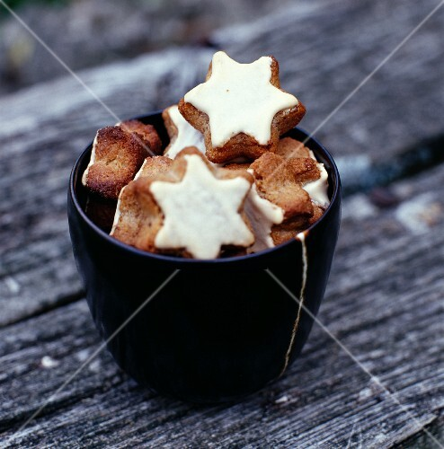 Cinnamon star Christmas biscuits
