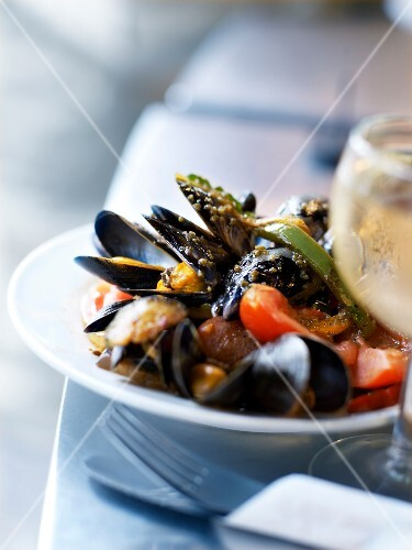 Mussels with herbs and vegetables