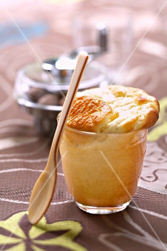 Souffle with parmesan and nutmeg