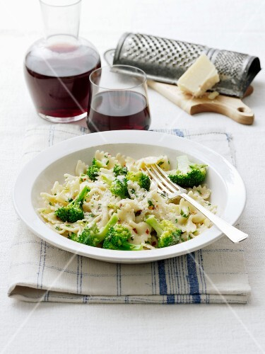 Farfalle with broccolis