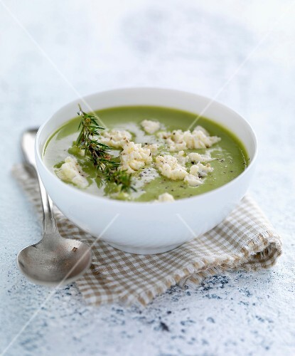 Cream of pea soup with feta