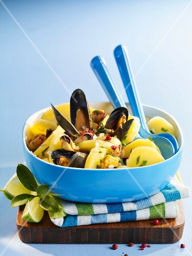 Potato and mussel salad