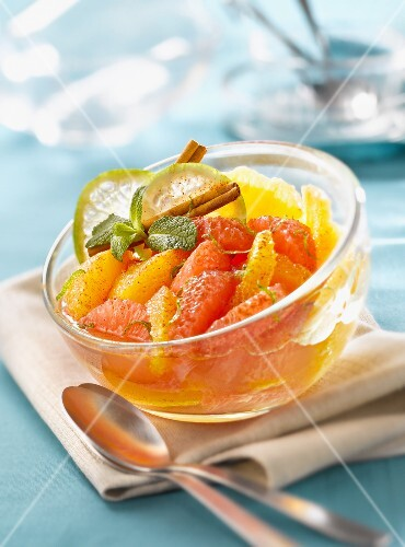 Cinnamon-flavored citrus fruit salad