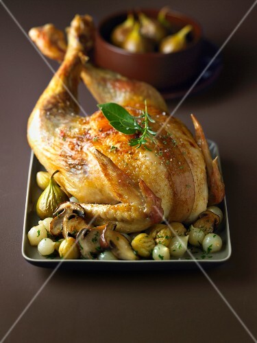 Stuffed capon with figs, grelot onions and chestnuts