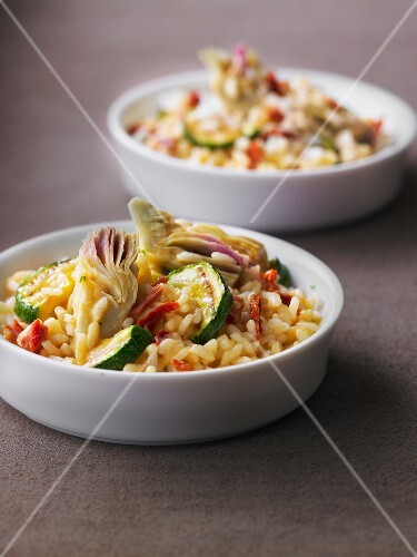 Risotto with artichokes,zucchinis and sun-dried tomatoes