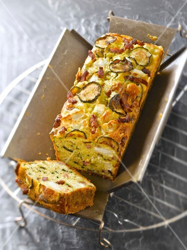 Zucchini,diced bacon and goat's cheese savoury cake