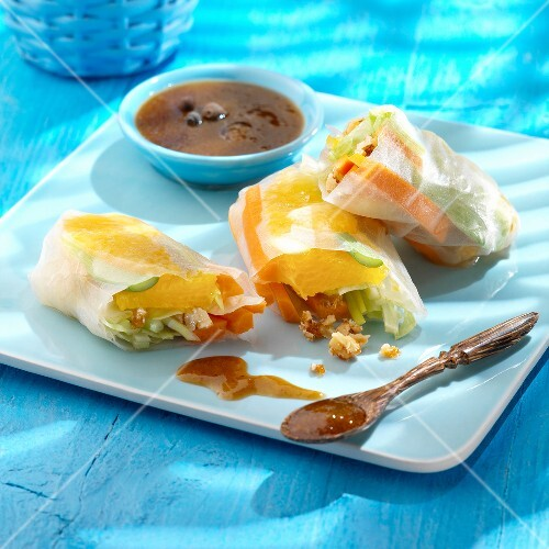 Vegetable spring rolls,sweet and sour sauce
