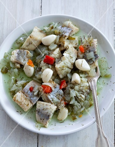 Herrings marinated with dill and confit garlic