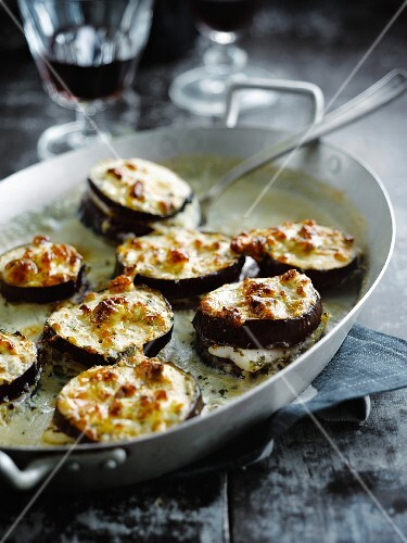 Eggplants and haddock grilled with roquefort