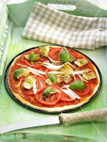 pizza mit tomaten artischocken und basilikum bild kaufen 60214292 stockfood. Black Bedroom Furniture Sets. Home Design Ideas