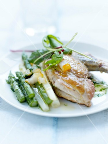 Guinea-fowl with green and white asparagus and haddock