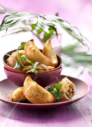 Empadinha :chicken and palm heart turnovers