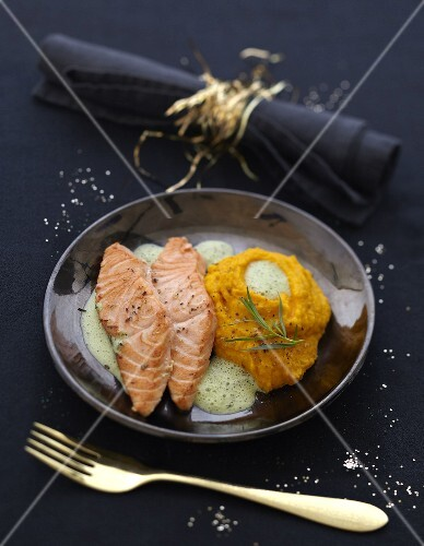 Half-cooked salmon with tarragon emulsion and sweet potato mash