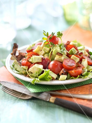 Avocado,tomato and vinaigry diced bacon salad