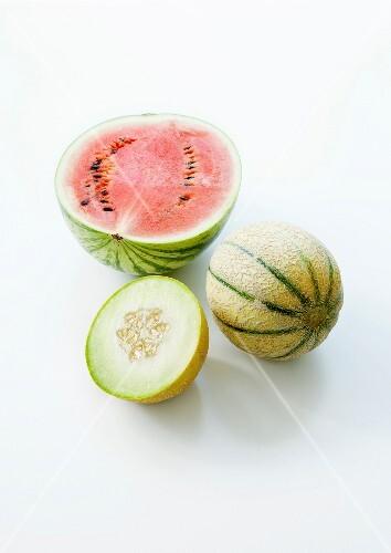 wassermelone charentais melone und honigmelone bild kaufen 60226856 stockfood. Black Bedroom Furniture Sets. Home Design Ideas