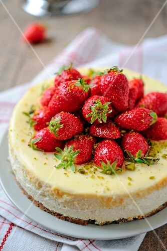 Cheesecake with Guariguette strawberries