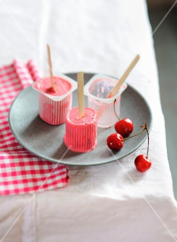 Iced cherry Petit-suisses