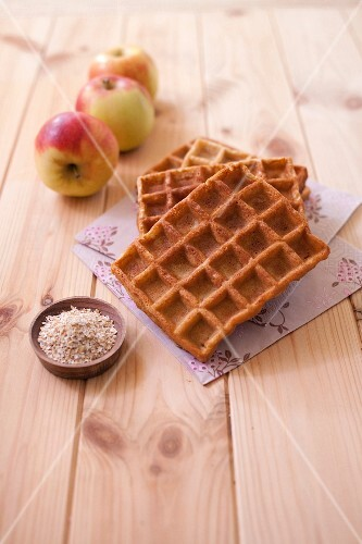 Bran and apple juice waffles