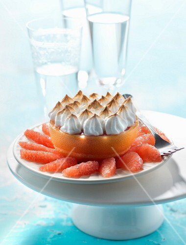 Grapefruit with meringue topping