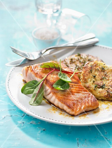 Grilled salmon steak with potato and thyme patties