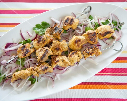 Curry-flavored chicken skewers