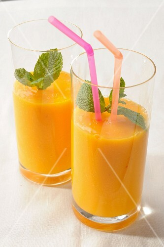 Mango and Mint Smoothie