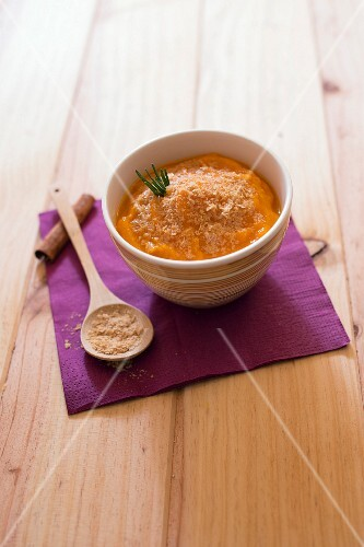 Spicy pumpkin mash with beer yeast