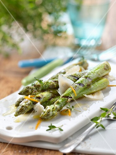 Grilled green asparagus with orange french dressing