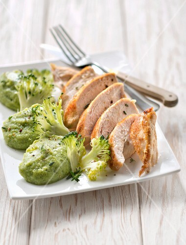 Chicken fillet with ginger and broccoli puree