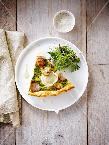 Smoked turkey and goat's cheese quiche