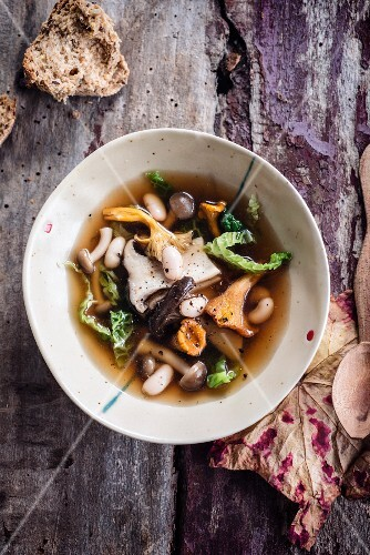 Mushroom,white haricot bean and cabbage broth