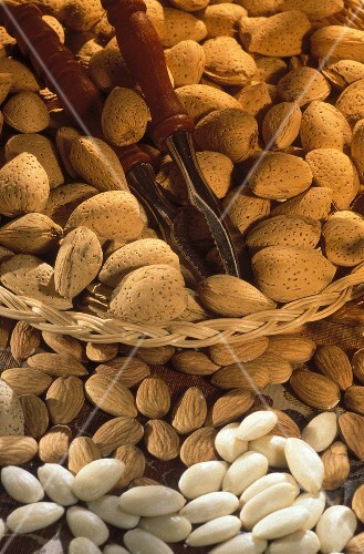 Almonds; Whole, Shelled and Peeled