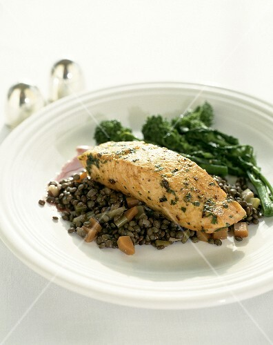 Salmon fillet on lentils with broccoli