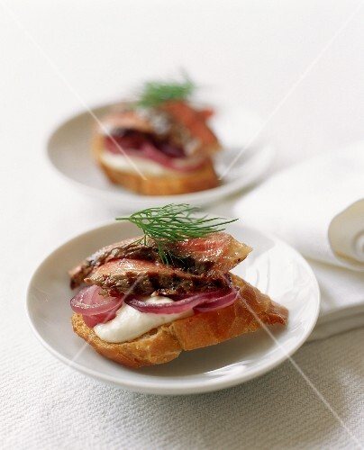 Roast Beef and Horseradish Canape