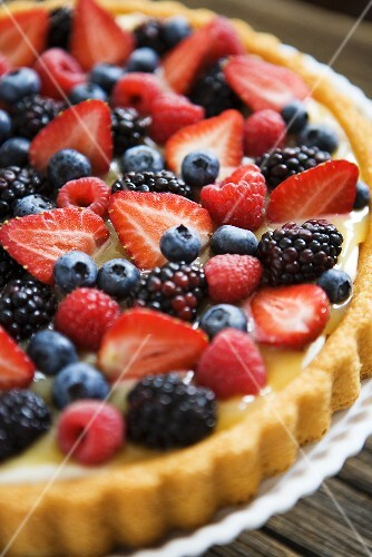 Fresh Berry Vanilla Tart