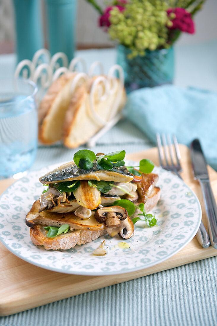 Lovely Lunch, Light Dinner