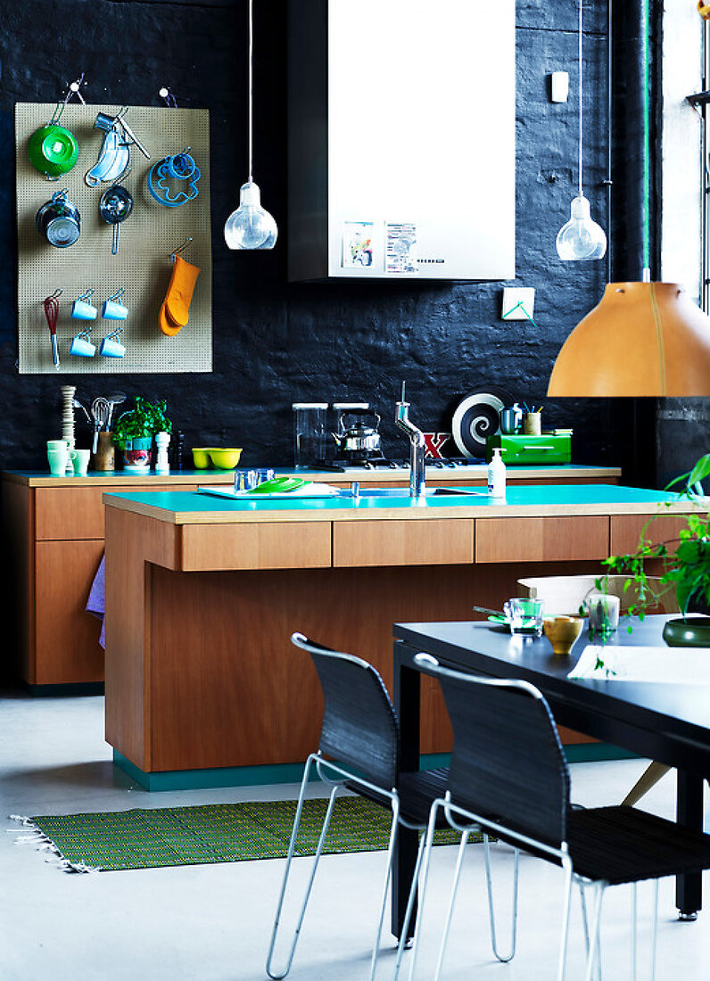 Rough Kitchen Style & Bright Colors