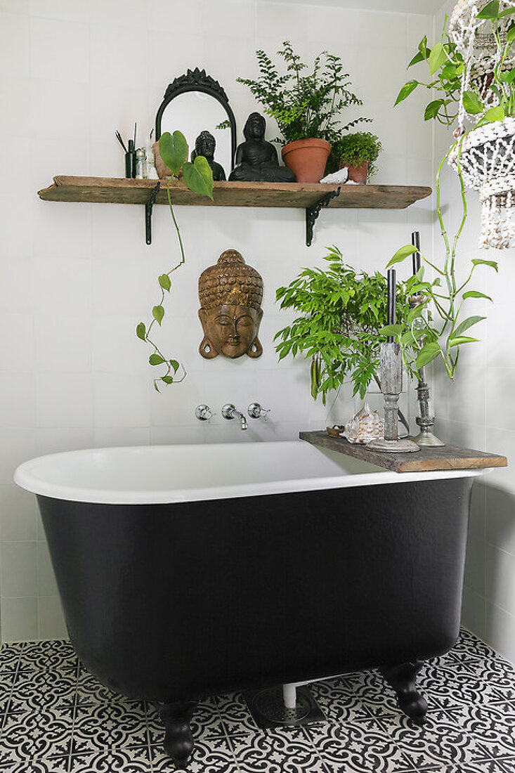 Bathroom with a Holiday Atmosphere