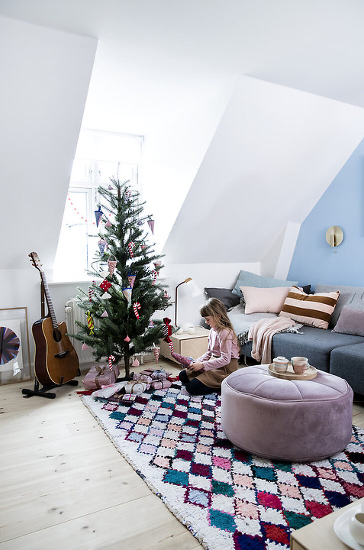 An Artist's Christmas Home