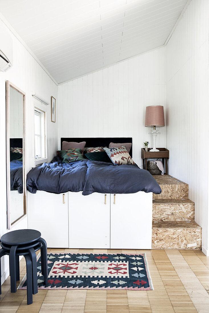 3 Unique DIY Bed Solutions